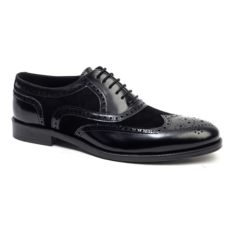 Wing-Tip Oxford // Black (Euro: 40)