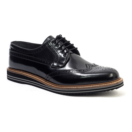 Washed Wing-Tip Derby // Black (Euro: 40)