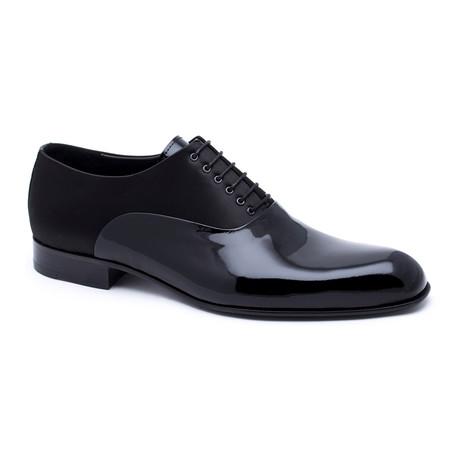 Polished-Toe Oxford // Black