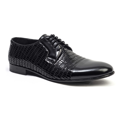 Textured Cap-Toe Derby // Black (Euro: 40)