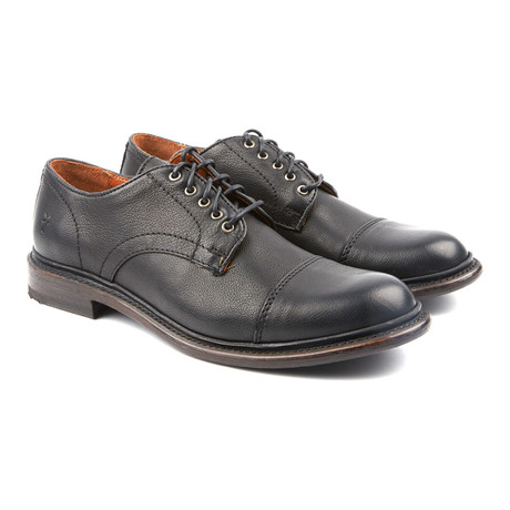 Jack Oxford // Black