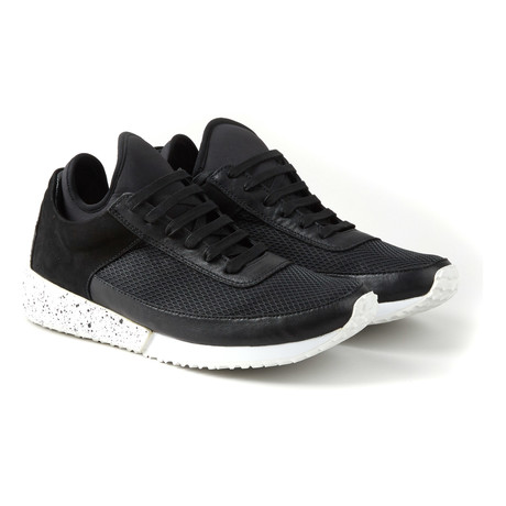 Stadion Low Runner // Covert Black