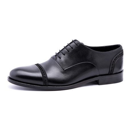 Damat Medallion Toe-Cap Oxford // Black (Euro: 39)
