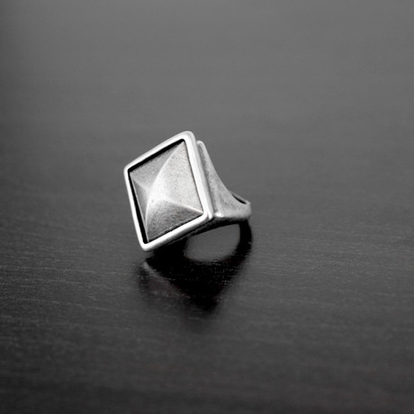 Antiqued Faceted Pyramid Ring // Silver