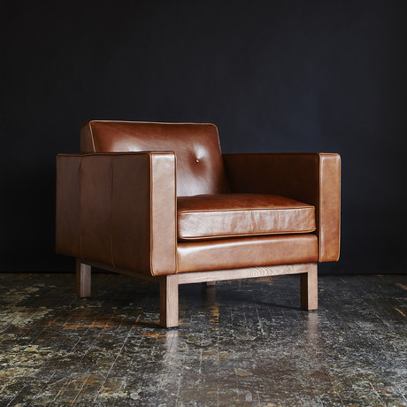 Embassy Chair (Saddle Brown)
