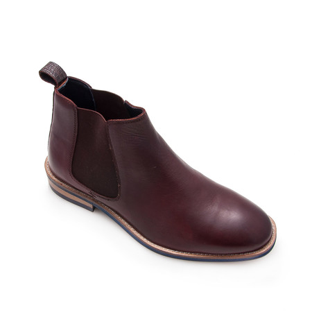 Connor Ankle Boot // Bordeaux (Euro: 40)
