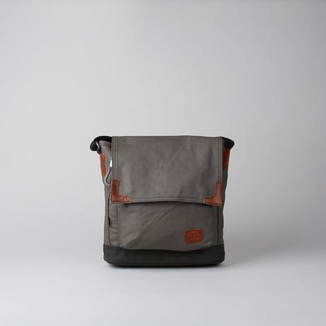 Urban Light Crossbody // Grey