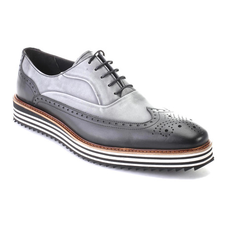 Aalap Mixed Texture Wingtip Oxford // Antique Black