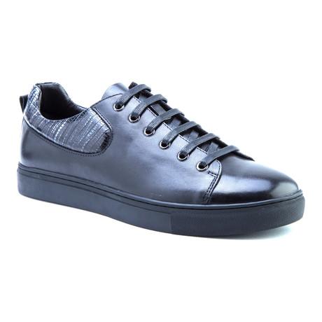 Robinson Low-Top Sneaker // Black (US: 8)