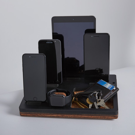 TRAY Penta Dock // Black // Oak Wood Base