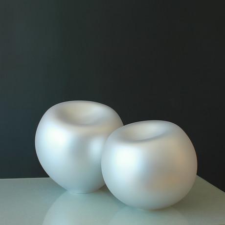 "Soft Round Pearl // Silver Pearl Finish (4""L x 4""W)"