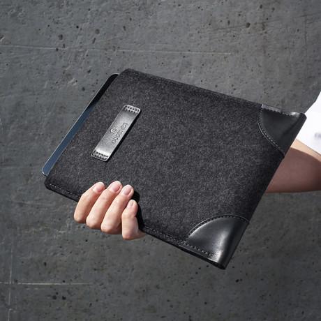 Classic iPad Sleeve // Grey + Black