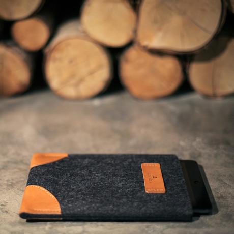 Classic iPad Sleeve // Grey + Tan