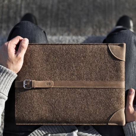 MacBook Sleeve // Deep Caramel
