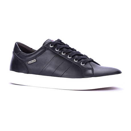 Mackenzie Lace-Up Sneaker // Black