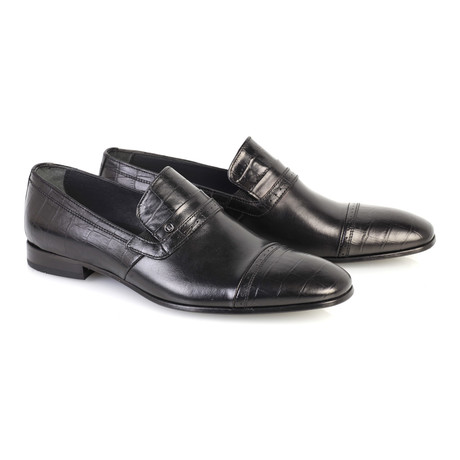 Croc Embossed Leather Captoe Smoking Loafer // Black