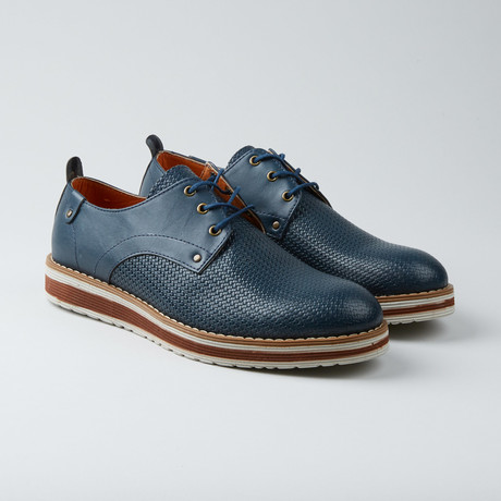 Embossed Woven Texture Lace-Up Derby Sneaker // Navy Blue