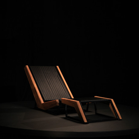 Angulus Lounge Chair