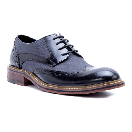 Monet Canvas Wing-Tip Derby // Black (US: 8)