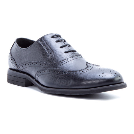 Raphael Medallion Wing-Tip Oxford // Black (US: 8)