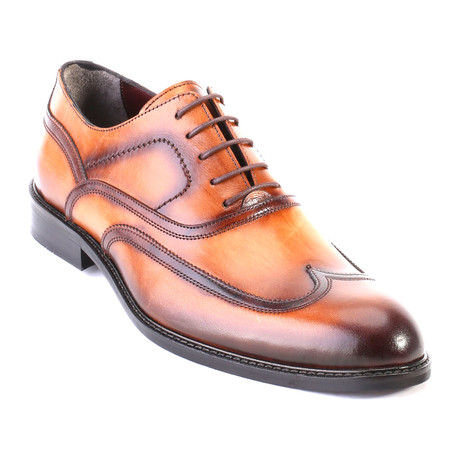 Antique Finished Wingtip Stitched Oxford // Tobacco