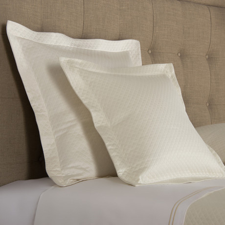 Hotel Melody // Ivory (King Bedspread)