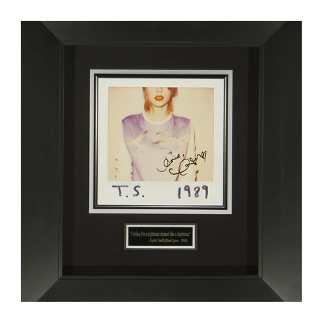 Taylor Swift // 1989 // Autographed