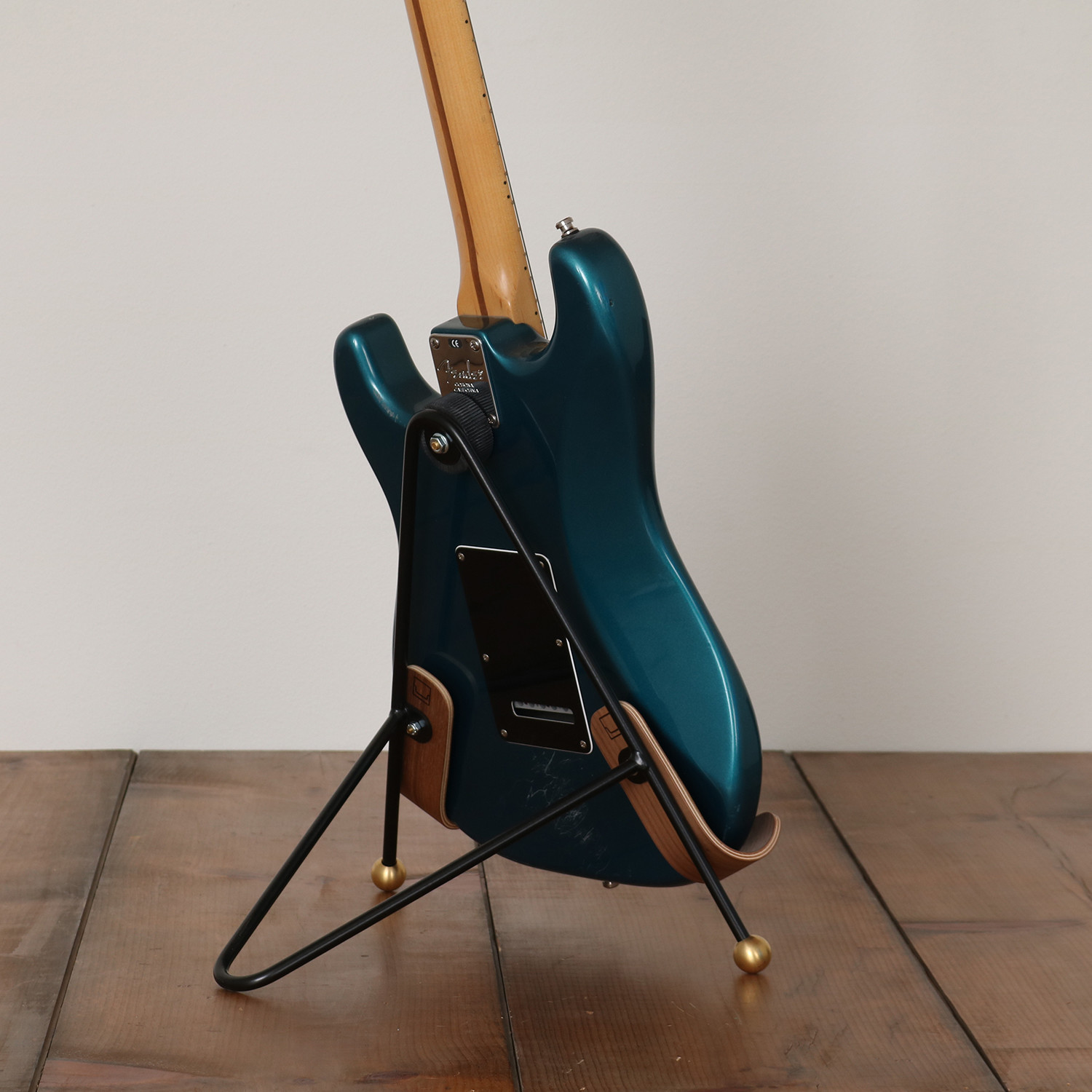 guitar stand electric body onefortythree touch of modern. Black Bedroom Furniture Sets. Home Design Ideas