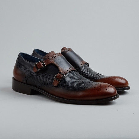 Ver Vain Textured Wing-Tip Derby // Tan + Black