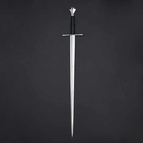 Two Handed Medieval Sword // No Scabbard