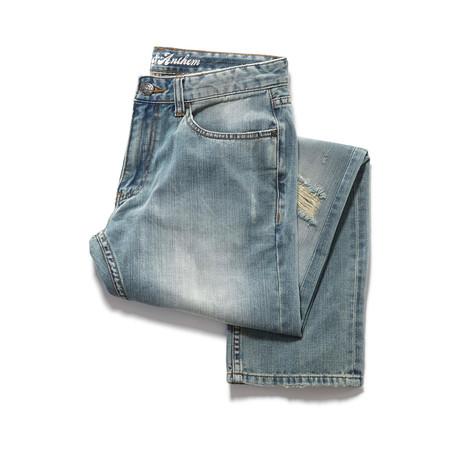Distressed Straight Leg Jean // Light Wash