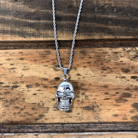 Grinning Skull Pendant Necklace // Silver