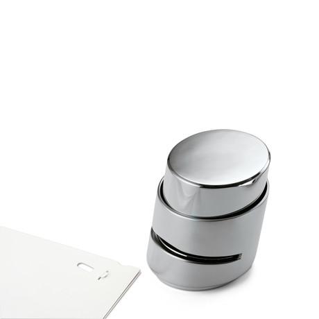 Push // Paper Fastener