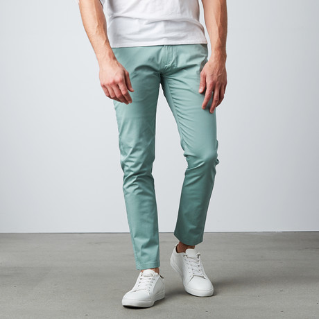 Relaxed Fit Chino Pant // Green