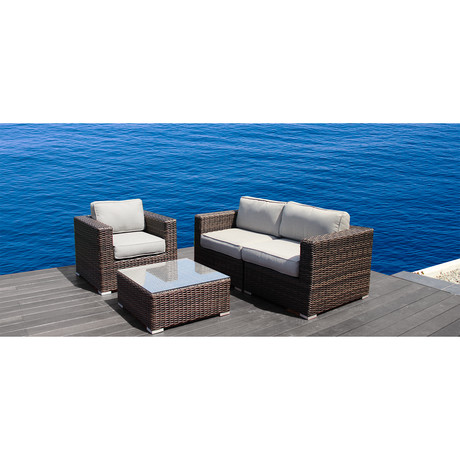 Century modern inviting outdoor furniture touch of modern for Sofa exterior marbella