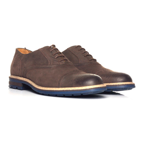 Pebbled Leather Perforated Captoe Oxford // Brown