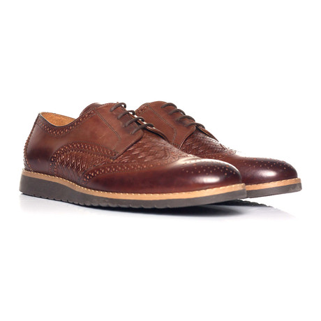 Woven Texture Full Brogue Wingtip Derby // Brown