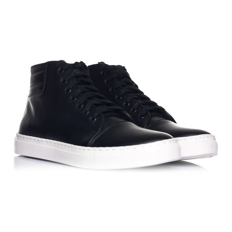 Captoe Lace-Up Hi-Top Sneaker // Black