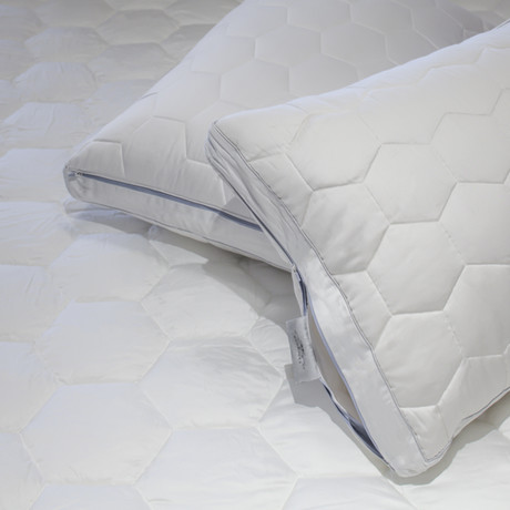 ECOSHEEX Down Alternative Pillow (Standard // Stomach/Back)