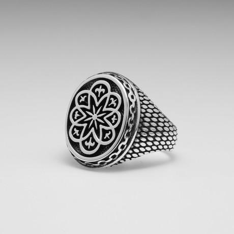 Sterling Silver Stardust Le Fleur De Lis Ring // Silver
