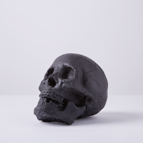 Ceramic Tarred Skull (Single)