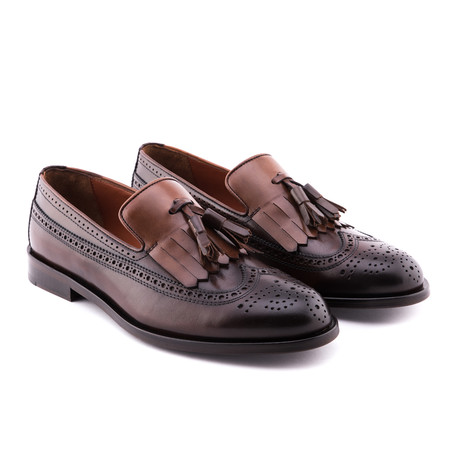 Damat Medallion Kilt Loafers // Brown (Euro: 39)