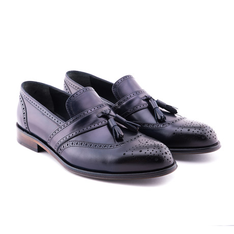 Damat Medallion Tassel Loafer // Navy (Euro: 39)