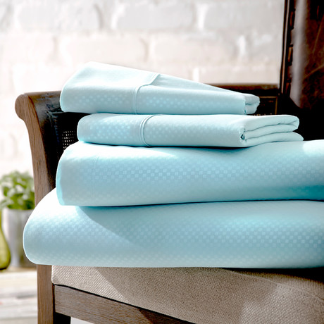Urban Loft™ Luxury Soft Checkered Bed Sheets // 4 Piece Set // Aqua