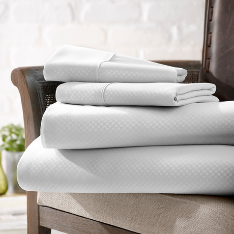 Urban Loft™ Luxury Soft Checkered Bed Sheets // 4 Piece Set // White (Twin)