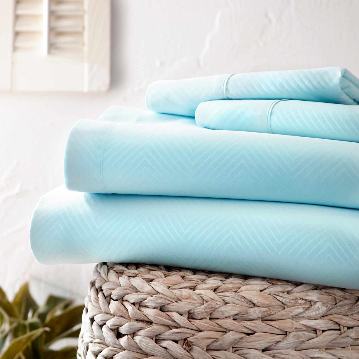Urban Loft™ Luxury Soft Chevron Bed Sheets // 4 Piece Set // Aqua