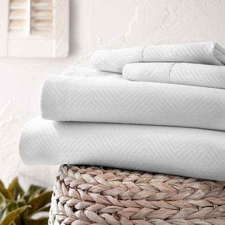 Urban Loft™ Luxury Soft Chevron Bed Sheets // 4 Piece Set // White (Twin)