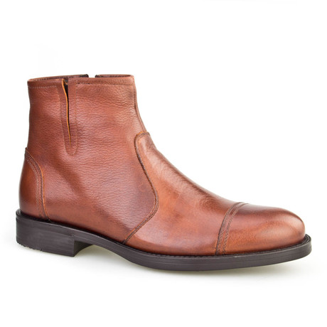 Cap-Toe Chelsea Boot // Light Brown