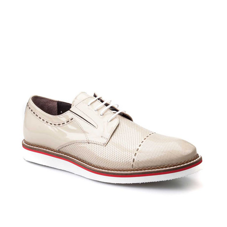 Perforated Cap-Toe Derby // Beige