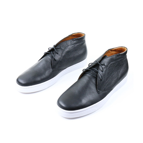 Noche Chukka Sneakers // Black (US: 7)
